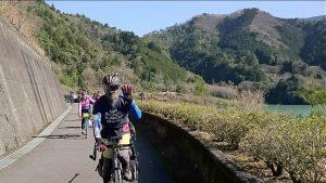 ▲「タキイチ」の走り初めを楽しむサイクリストの皆さん