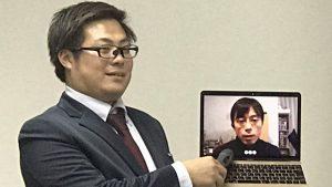 ▲監督の瀧川元気氏と作家の中村航氏(PC内)