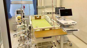 ▲人工呼吸器が備えられたベッド