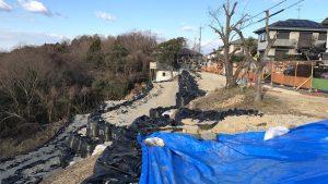 ▲仮復旧工事が完了した南花台の宅地造成地